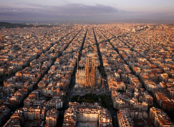 Chùm ảnh châu Âu đẹp đến ngoạn mục được chụp từ trên không trung 2
