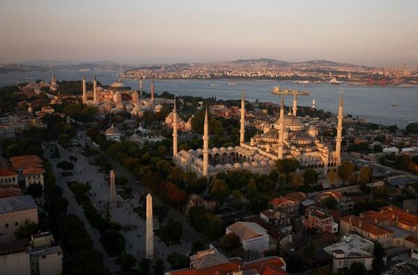 Chùm ảnh châu Âu đẹp đến ngoạn mục được chụp từ trên không trung 9