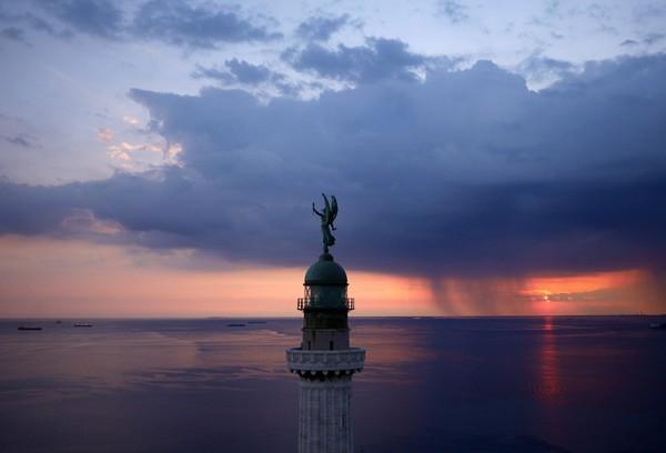 Chùm ảnh châu Âu đẹp đến ngoạn mục được chụp từ trên không trung 10