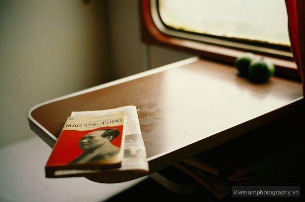 book-table-train-guariglia_44185_600x450 Mẹo chụp ảnh những nơi quen thuộc