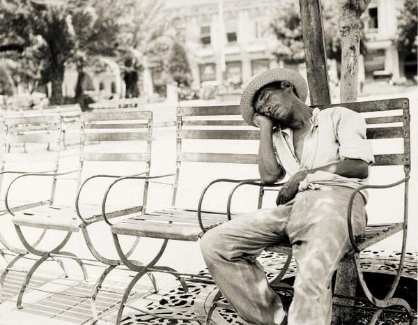 Kẻ nổi loạn lạ lùng của nhiếp ảnh đường phố thế kỷ 20 2