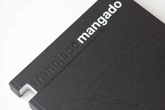 Những thiết kế bìa sách mê hoặc người xem