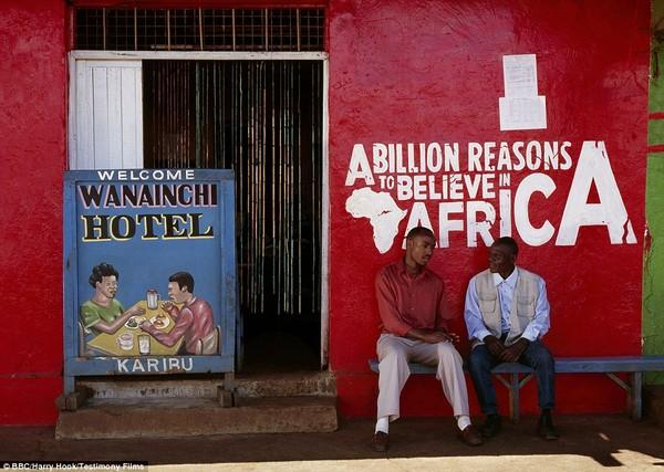 Bức tranh đời sống chân thực của các bộ tộc du mục châu Phi 8