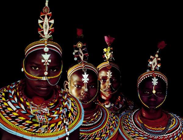 Bức tranh đời sống chân thực của các bộ tộc du mục châu Phi 11