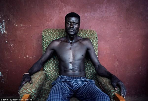 Bức tranh đời sống chân thực của các bộ tộc du mục châu Phi 5