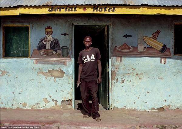 Bức tranh đời sống chân thực của các bộ tộc du mục châu Phi 7