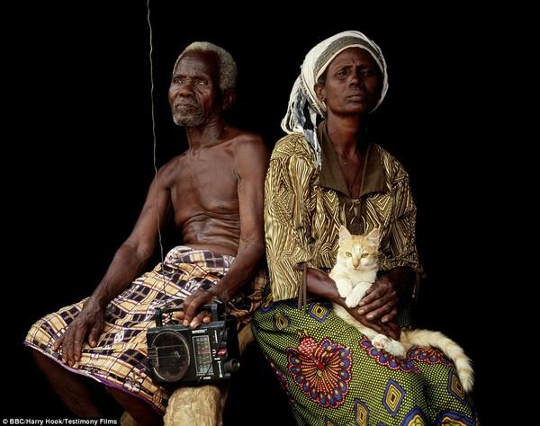 Bức tranh đời sống chân thực của các bộ tộc du mục châu Phi 9