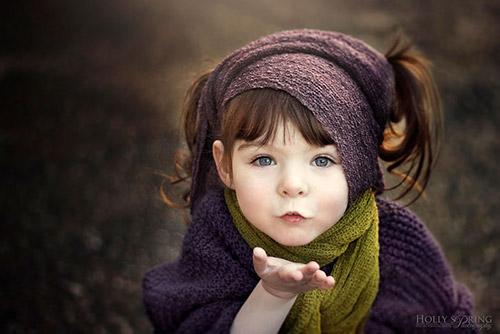 Bé gái một tay xinh đẹp qua lăng kính người mẹ - 1
