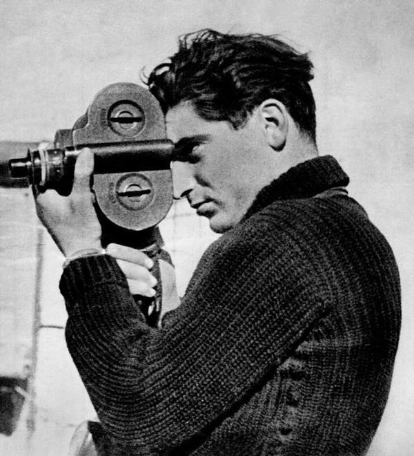 Robert Capa – Người tạo nên chuẩn mực cho các phóng viên ảnh chiến trường 1