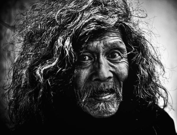 Những tấm ảnh đen trắng đầy cảm xúc về người dân Tokyo 6