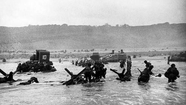 Robert Capa – Người tạo nên chuẩn mực cho các phóng viên ảnh chiến trường 5