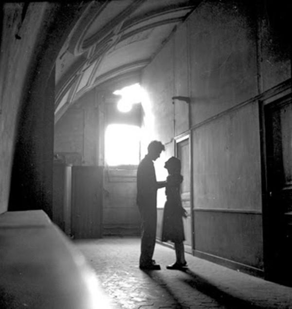 Yêu ở Paris với Paul Almasy 6
