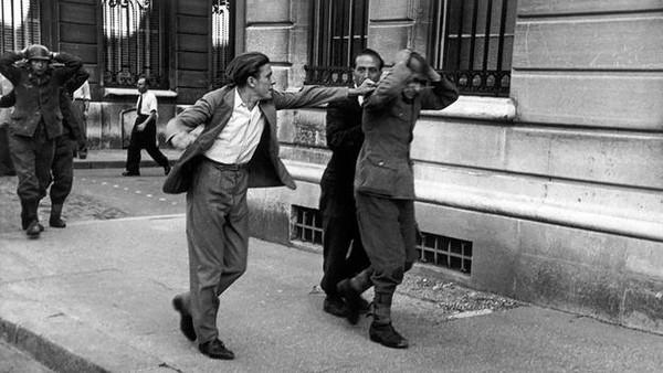 Robert Capa – Người tạo nên chuẩn mực cho các phóng viên ảnh chiến trường 6