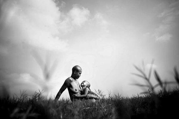 Những bộ ảnh cảm động về nghị lực của người Việt khiến hàng triệu trái tim thổn thức 24