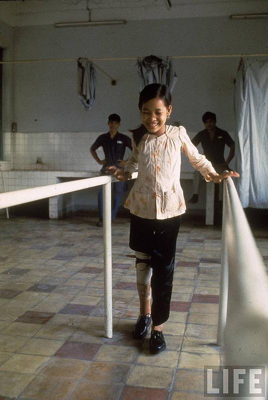 Những bộ ảnh cảm động về nghị lực của người Việt khiến hàng triệu trái tim thổn thức 2