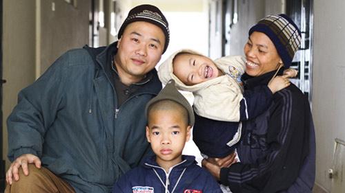 Những bộ ảnh cảm động về nghị lực của người Việt khiến hàng triệu trái tim thổn thức 25