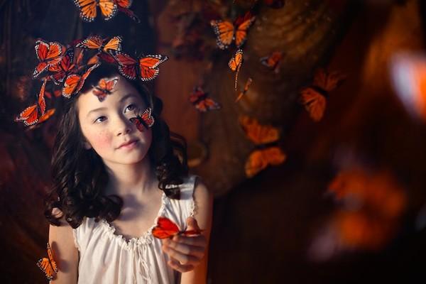 Cuộc phiêu lưu của cô gái nhỏ trong thế giới màu cam rực rỡ 7