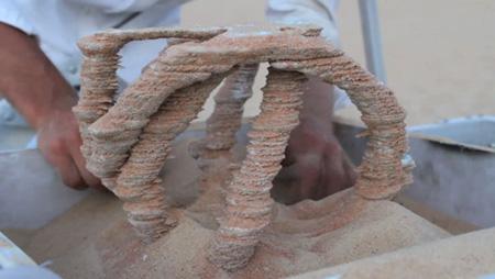 Công nghệ in 3D từ cát và năng lượng mặt trời