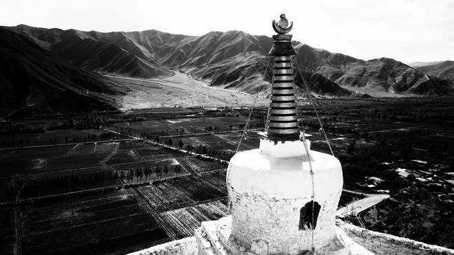 Tây Tạng huyền bí trong bộ ảnh đen trắng