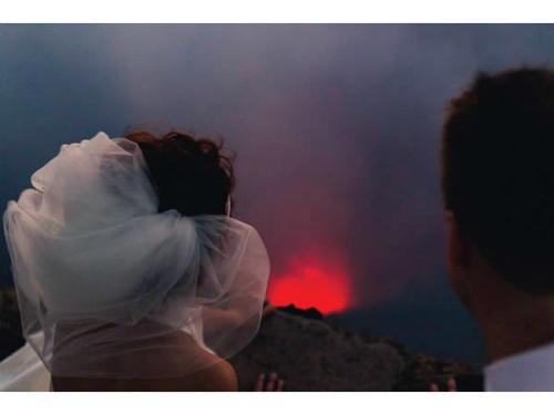 Những bức hình cưới khiến người xem thót tim