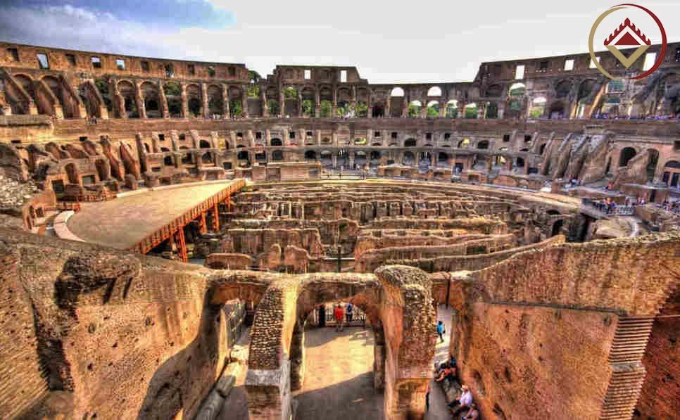 Đây đã từng là nơi diễn ra những trận đấu đẫm máu giữa các giáp sĩ và mãnh thú trong tiếng reo hò vang dội của giới quý tộc và người dân thành Rome.
