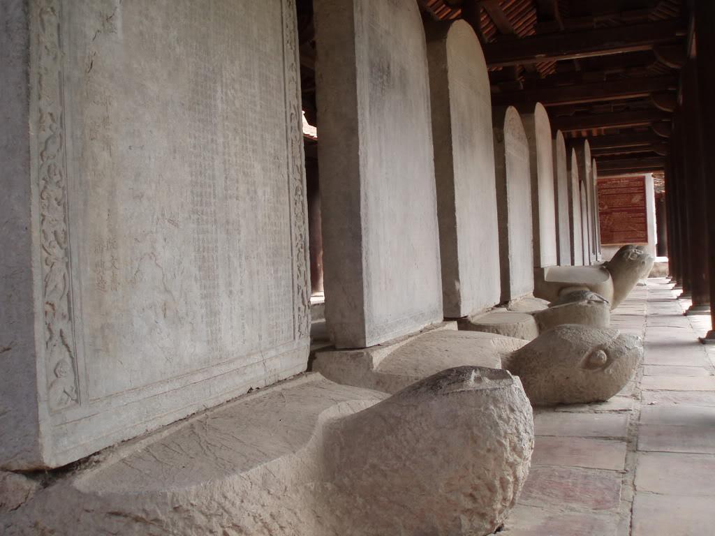 Bia đá các khoa thi tiến sĩ triều Lê Mạc