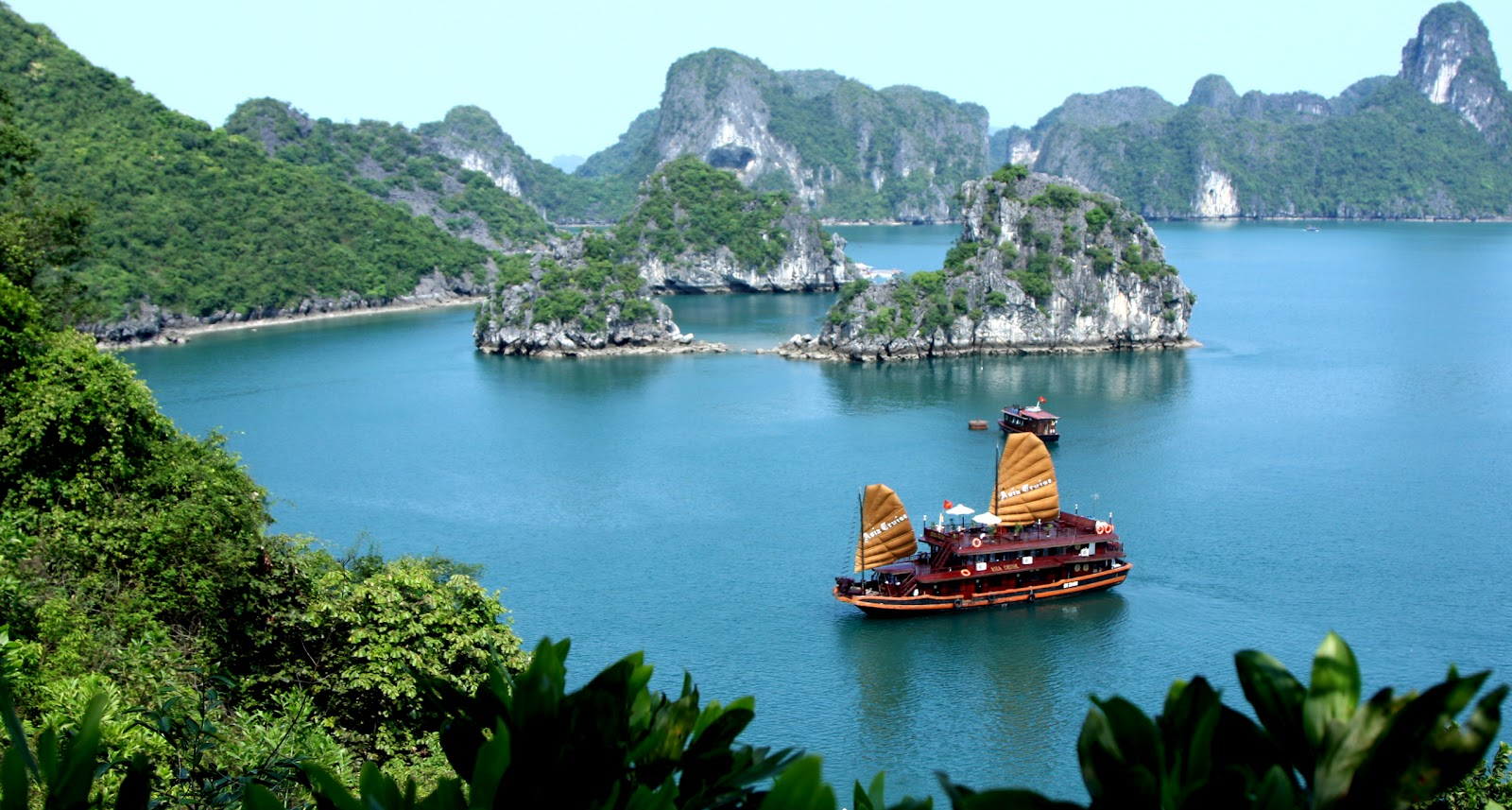 Image result for CANH DEP VINH HA LONG