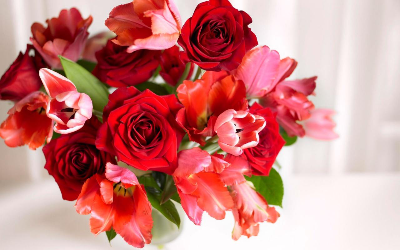 Kết quả hình ảnh cho tặng hoa cho người yêu