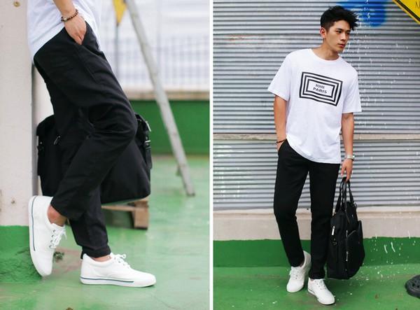 kết hợp giẩy sneaker và cặp da nam