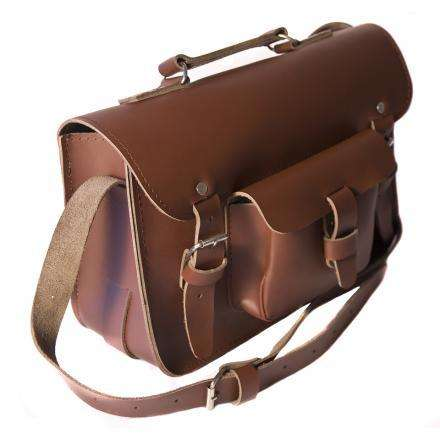Túi đeo chéo nam dạng hộp cho anh chàng mùa thu