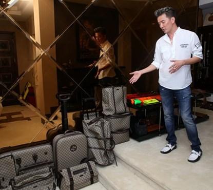 Bộ sưu tập túi xách và túi đeo chéo nam hàng hiệu của Mr Đàm