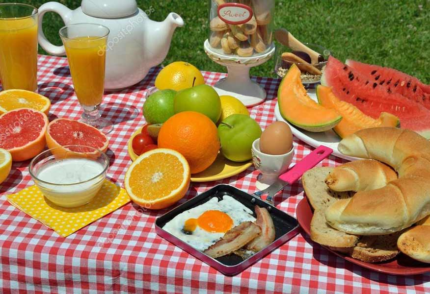 Bữa sáng được chuẩn bị trong buổi diễu hành xe đạp trẻ em
