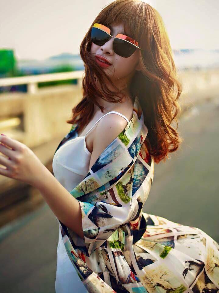 Mắt Kính Nữ Cao Cấp Dior VDR01 So Electric