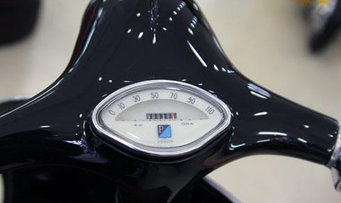 Vespa VBB Standard 150 bắt mắt ở Sài Gòn 8
