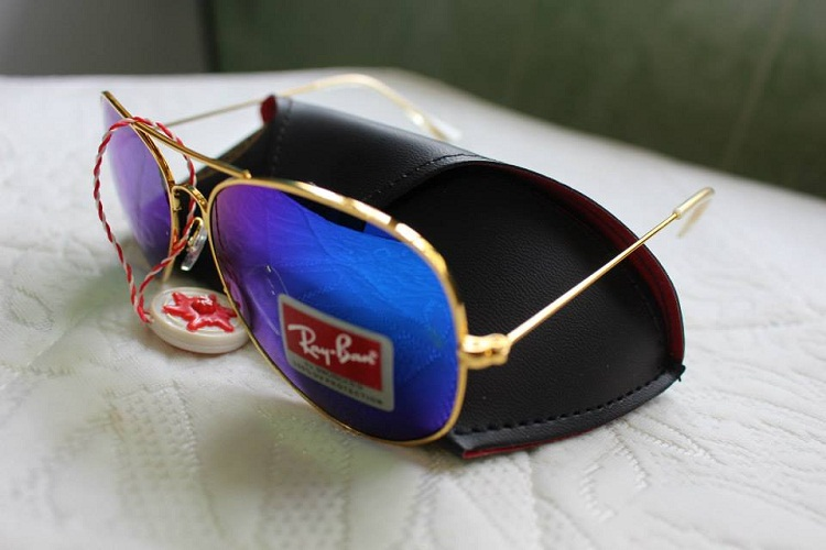 Mắt kính RayBan tráng gương xanh nước biển gọng vàng 3