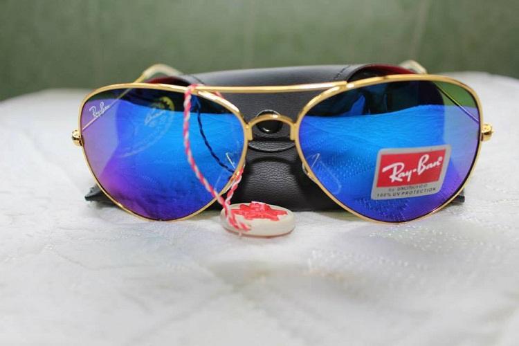 Mắt kính RayBan tráng gương xanh nước biển gọng vàng 5