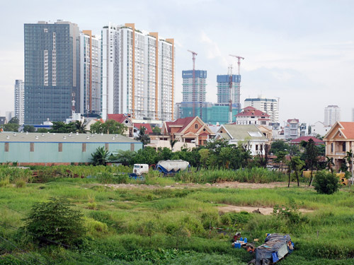 Giá đất là được áp dụng khi tính phương án đền bù, các loại phí giao dịch nhà đất (Ảnh minh họa)