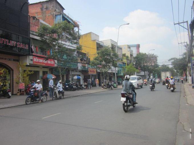 Nhiều người Sài Gòn có nhà mặt tiền tích lũy được hàng trăm triệu đồng một năm nhờ ở trọ, kiếm lời từ việc ăn chênh lệch tiền thuê nhà mặt phố với nhà hẻm hoặc nhà chung cư