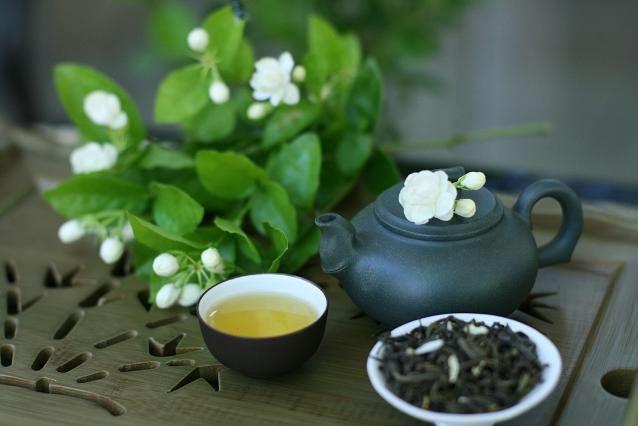 Sử dụng hoa nhài đơn giản nhất là uống trà nhài