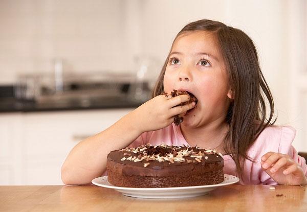 6 Sai Lầm Các Mẹ Thường Mắc Khi Cho Con Ăn