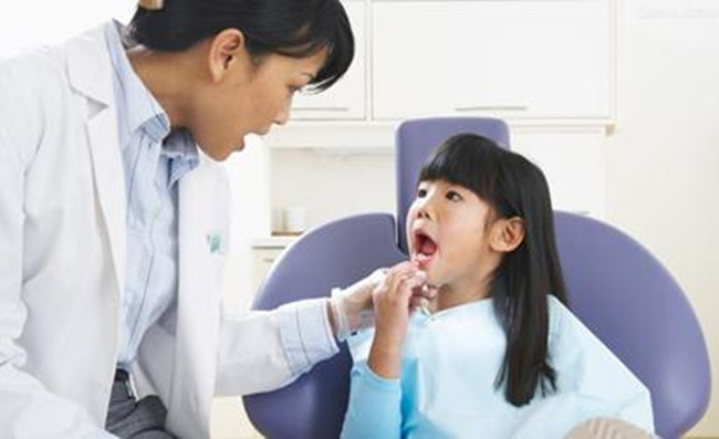 Xử Lý Khi Trẻ Bị Chấn Thương Răng