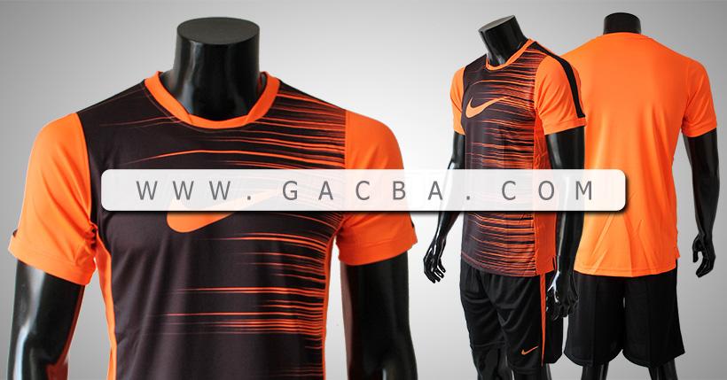 Quần áo bóng đá không logo Nike mã vạch đen cam