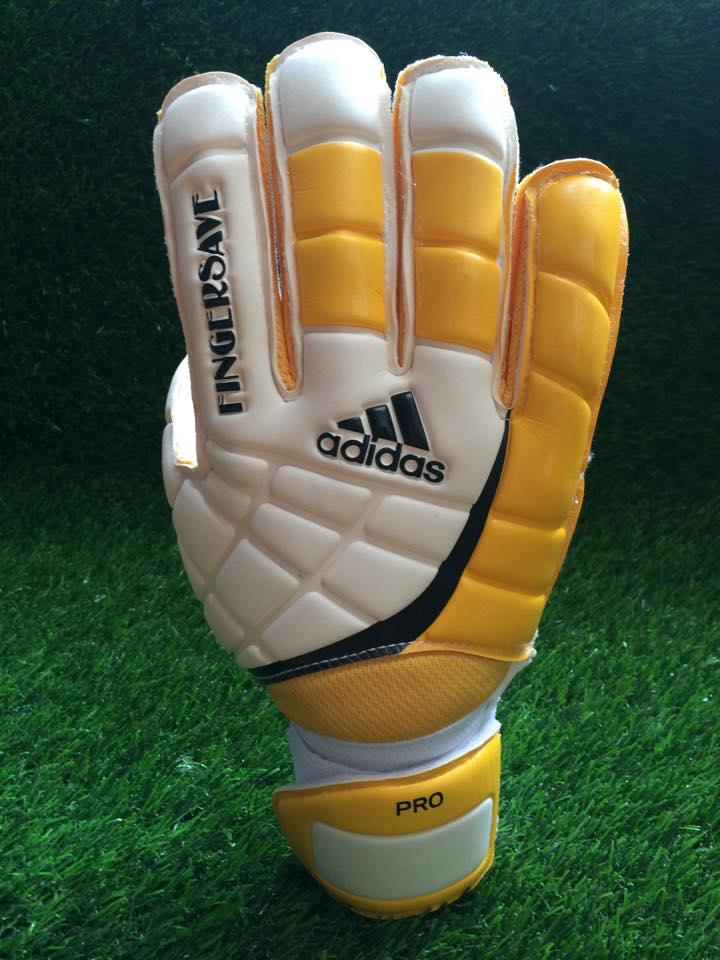 găng tay thủ môn adidas finger save vàng
