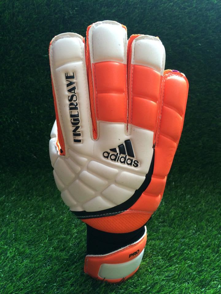 găng tay thủ môn adidas finger save cam