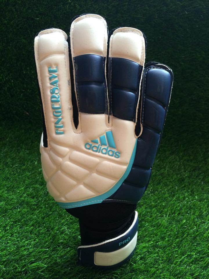 găng tay thủ môn adidas finger save