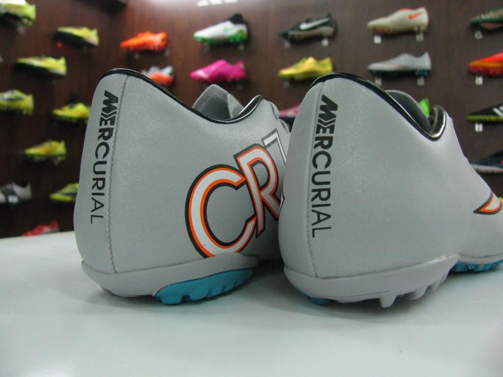 giày bóng đá nike CR7 xám