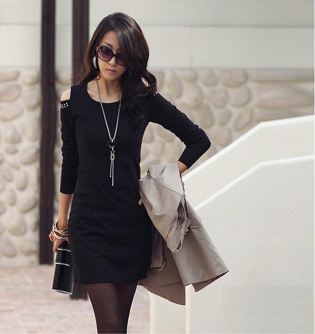 Kết hợp váy liền cùng những phụ kiện để có set đồ hoàn hảo