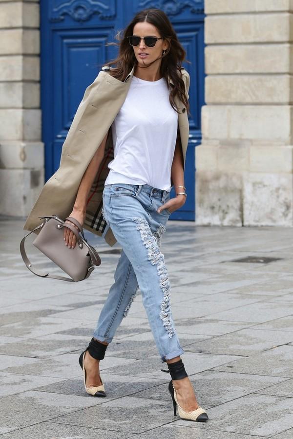 """Đơn giản nhưng các tính với """"bộ đôi"""" áo thun trắng cùng quần jean"""