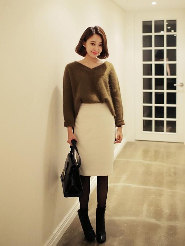 Váy có chiều dài ngang bắp chân thường là lựa chọn khá hợp lý