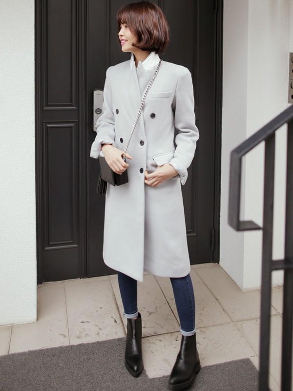 Áo khoác dài sẽ giúp che bớt đôi chân kém xinh